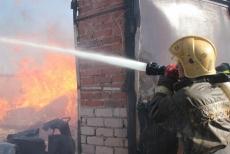 В Волжском районе горела пилорама