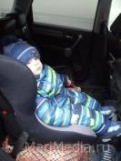 Парламентарии предлагают пользоваться детскими автокреслами до 10 лет